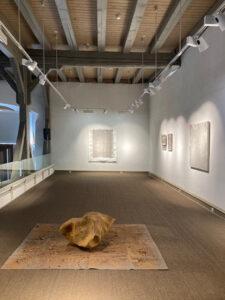 Contemporary Art, Meteorit, Zeichnung, Werke mit Erde und Gesteint