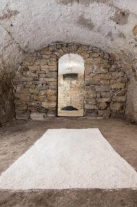 Zeitgenössische Kunst Material Intervention Marmor Kohle