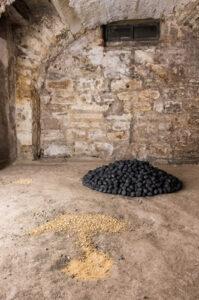 Arte Povera Material in der zeitgenössischen Kunst Eingriff im Raum